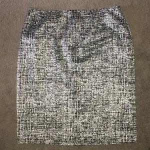 Jones New York Black & Silver Silk Pencil Skirt